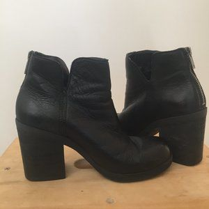 Lucky Brand Black Leather Ankle Booties, Size US 6
